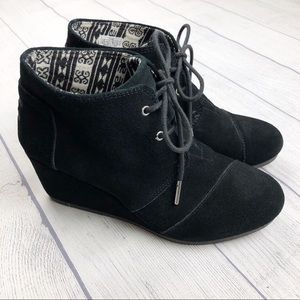 Toms Desert Wedge Black Lace Up Suede Bootie 8.5
